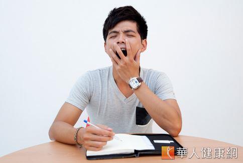 根據統計,國人平均每5個人就有1人飽受慢性失眠所苦,各種疾病和壓力都可能是誘發因素。(攝影/江旻駿)