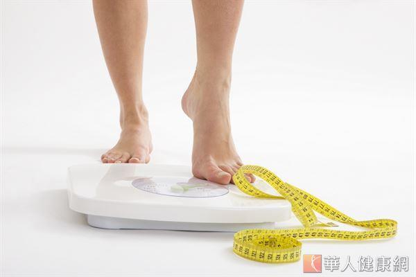 秋季天氣轉涼,人體新陳代謝變慢,許多人發覺體重正緩緩上升。