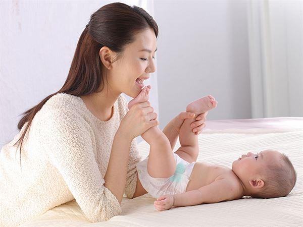 選擇符合C型新生兒體工學尿布,寶寶滿意,媽媽開心!