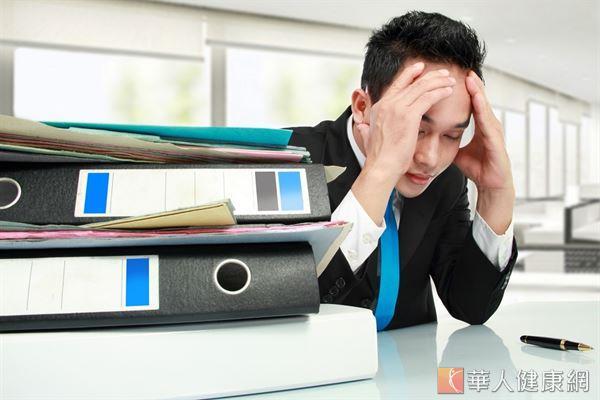 許多上班族認為疲勞是繁重的工作量所致,但錯誤的飲食方式也會讓人越來越疲憊,甚至引發身心症。