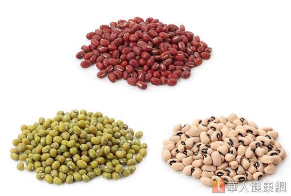 豆類食物的外皮有清熱解毒的作用,適合做為日常解毒和排毒之用。