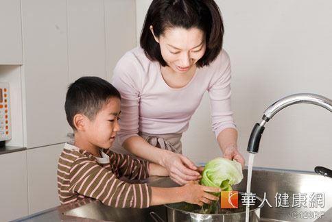 對於過動兒,家長不妨於生活中多規劃「有目標性的活動」,在生活中學會專心,發揮自己的最大潛能。