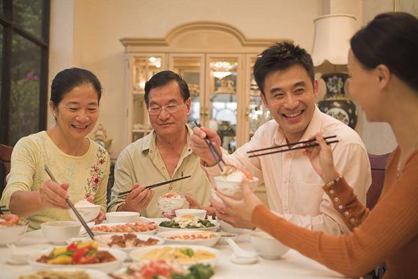 依據減重門診過去經驗來看,台灣人年假平均體重可以增加2至3公斤。