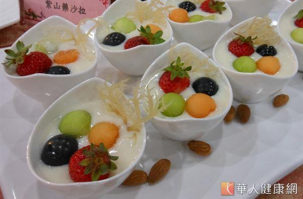 杏仁甜果饌。(攝影/駱慧雯)