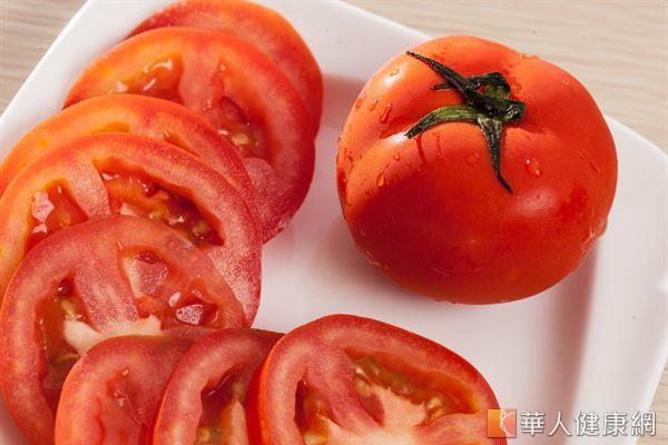 番茄加熱之後,茄紅素含量提升,能夠降低罹患前列腺癌的機率。
