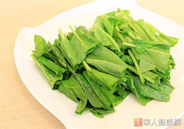 許多蔬果都含有葉黃素,如甘藍菜、菠菜、芥菜、深綠色花椰菜等十字花科類。