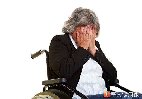 肢體癱瘓問題,不僅影響其行動能力,在長期使用輪椅、缺乏適度運動的狀況下,也易使下肢水腫、肥胖等問題找上身。