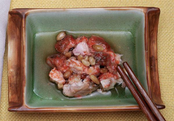 松子燴鮮魚,魚肉含有豐富蛋白質配上松子好吃又營養。