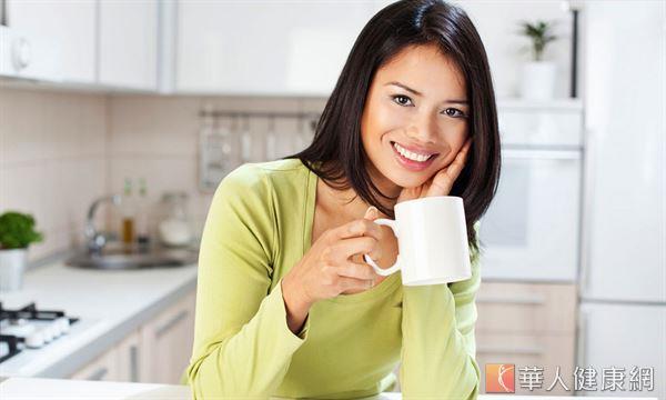 產後想要消除水腫的媽咪,建議可引用中醫茶飲,幫助早日恢復窈窕身材。