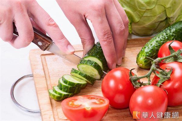 減重飲食長期偏好生菜沙拉和生冷瓜果,易形成氣虛脾虛體質。