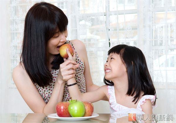 香甜可口的水果,除了是許多人茶餘飯後的最愛,同時也是人體獲取維生素、膳食纖維的重要食物來源。