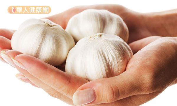 蔥、薑、蒜、洋蔥等辛香料對於料理烹調,除能增色外,更有畫龍點睛提升風味的效果。