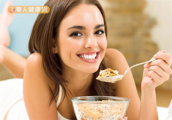 研究發現,提高膳食纖維的攝取量可以降低罹患糖尿病的機率,其中又以麥片的纖維素效果最好。
