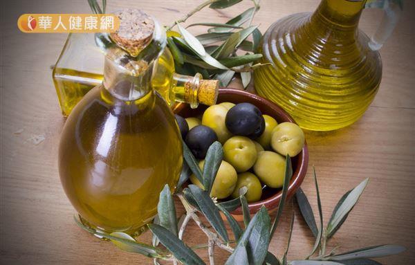 橄欖油在室溫中容易變質,也可能含有致敏成分,民眾將其用於臉部保養時,別忘了先小範圍試擦。