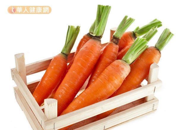 胡蘿蔔含有豐富的類胡蘿蔔素,能夠保護視力健康,加熱之後再吃更營養!