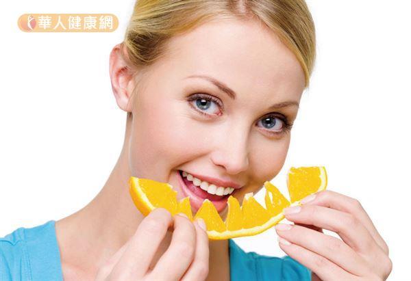 包含柳橙、芒果、鳳梨等黃色水果,都富含類胡蘿蔔素,能促進身體健康。