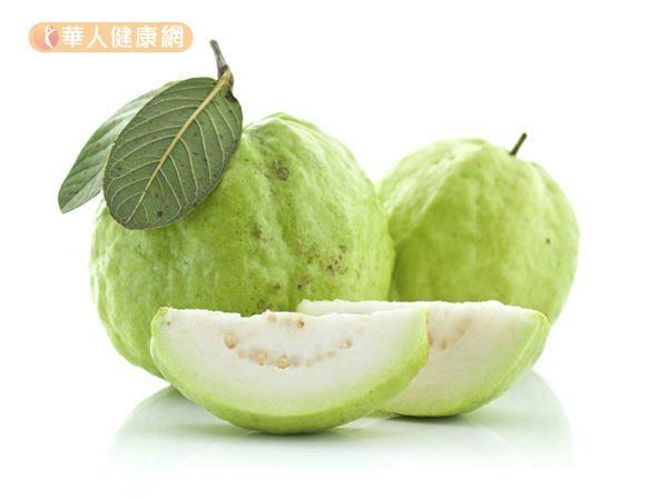 芭樂的維生素C含量相當豐富,還含有葉綠素、檸檬酸、蘋果酸的多種成分。