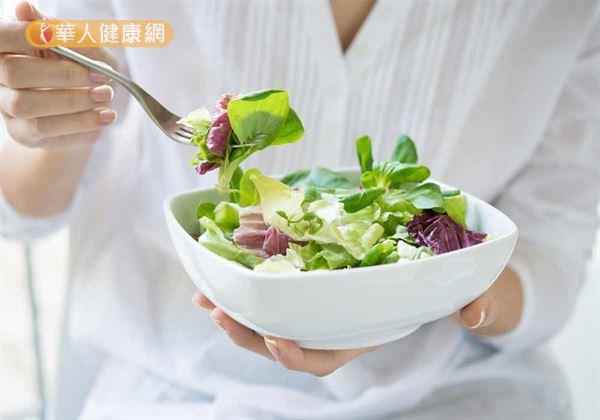 大家都知道健康或是想要減肥的人就一定要多吃蔬菜!因為蔬菜的熱量是最低的且非常有飽足感。