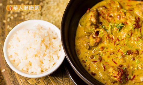 若想吃咖哩攝取薑黃素減重,自製咖哩會是不錯選擇。