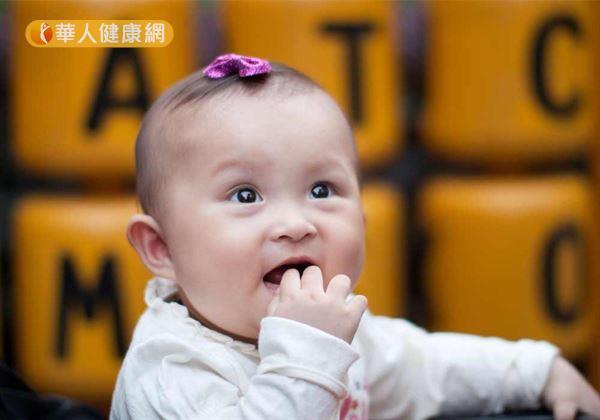 寶寶愛吸手指會暴牙 還有更驚人的