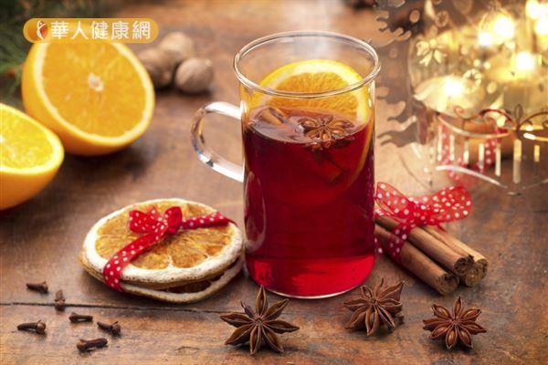 程涵宇營養師推薦一道「柑橘莓果熱紅酒」,冬天熱熱喝,溫暖又美肌!