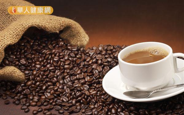 咖啡中的成分如綠原酸、類黑素、葫蘆巴鹼、咖啡醇和咖啡豆醇等,在體外試驗證實具抗氧化、抗氧化壓力、降血糖等功效。