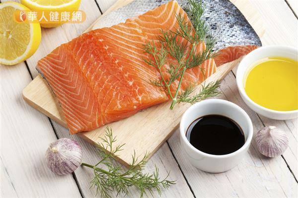 鮭魚富含Omega-3脂肪酸,適量補充有益健康。