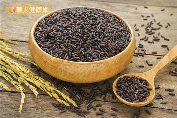 紫米營養價值高,可以做成甜食也能搭配百合、蓮子、香菇、毛豆等食材做成鹹食。