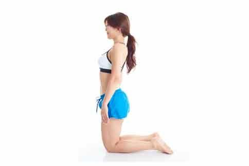《下跪減肥法》能刺激胃經也能加強脾的功能,達到減重效果。(圖片提供/時報出版)