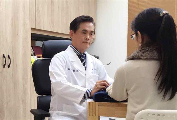 辛重毅中醫師表示,面對PM2.5來勢洶洶,應加強身體免疫功能。(圖片提供/義大醫院)