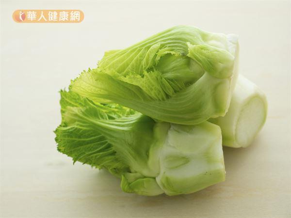 芥菜富含胡蘿蔔素、維生素、鐵、鈣、多酚等營養素,有助預防感冒。