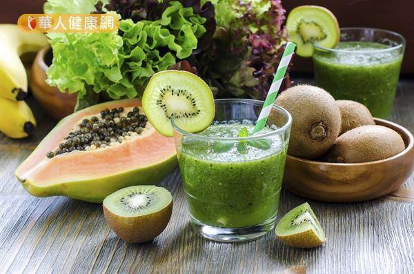 木瓜中含有木瓜酵素,能夠分解肉類蛋白質和脂肪,預防消化不良。