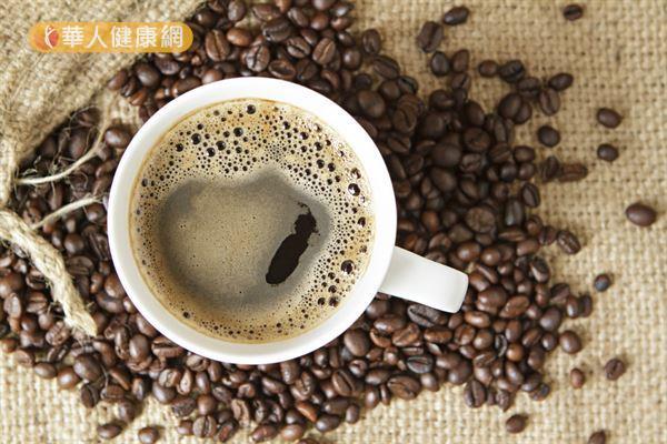 咖啡中的咖啡因和綠原酸有助瘦身,但是必須適量飲用才健康。