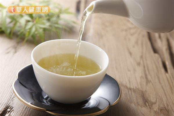 綠茶有助促進新陳代謝,適量飲用有助瘦身。