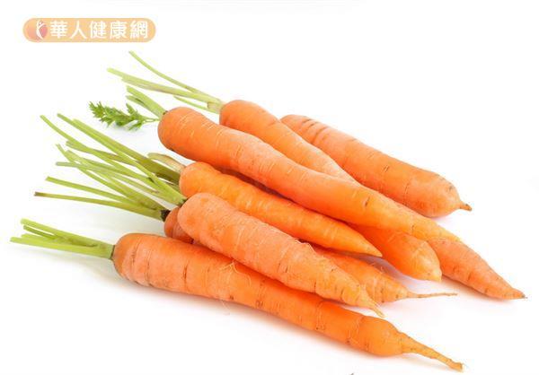 紅蘿蔔等橘色食物富含類胡蘿蔔素,有助預防肌膚老化。