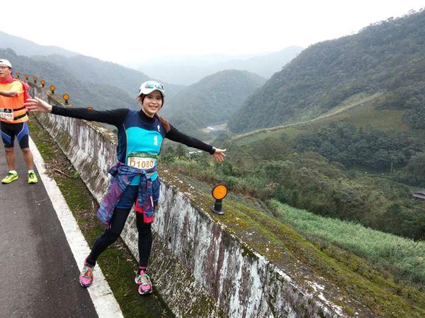 張佩蓉營養師不只在平地跑步,跑上山頭也難不倒她!(圖片/張佩蓉營養師提供)