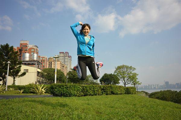 愛上跑步以後,張佩蓉營養師的生活作息大幅改善,每天都精神飽滿、活力充沛!(圖片/張佩蓉營養師提供)