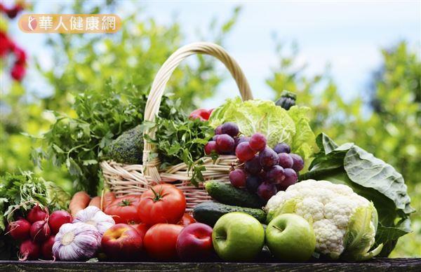 根據美國研究指出,每日5份蔬果,比起平均未攝取2份的人,癌症的發生率少一半。