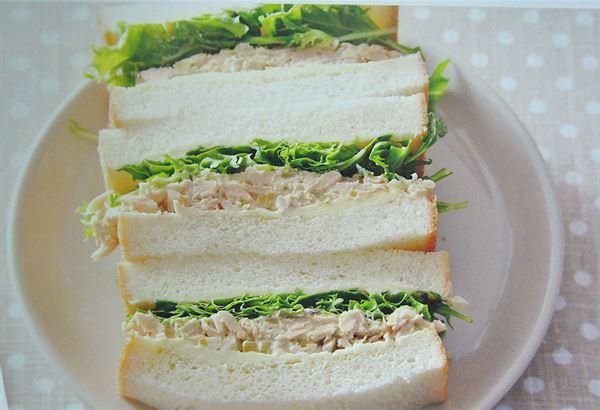 【鮪魚蔬菜三明治】(圖片提供/學研出版社)