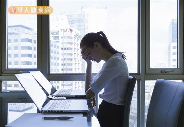 生活緊張、忙碌,壓力大、個性壓抑等因素容易造成肝鬱氣滯,影響身體健康。