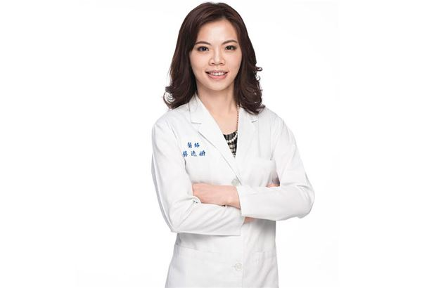 皮膚專科醫師蔡逸姍表示,除了適度清潔外,充分保濕也是保護嬰幼兒肌膚的重要工作。