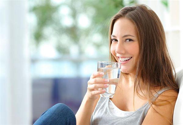 專家建議,選擇淨水器應該先確認是否具有NSF機構的全機認證,以及認證項目內容,才能確保整體結構穩固與濾淨效能,讓全家享用一杯健康純淨的好水。