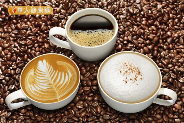 咖啡本身熱量低,但添加了糖精、鮮奶油等佐料,會提高整個飲品的熱量。