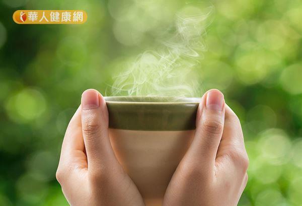 適合喝溫水的體質,特別是寒性體質、氣血不足的女性。