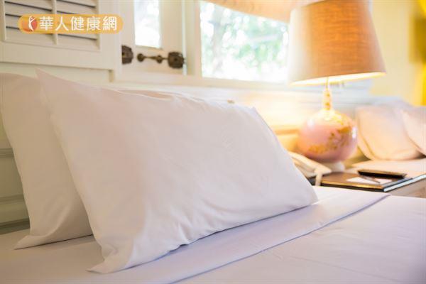 每天跟我們臉上肌膚親密接觸的枕頭、床單,你有定時清洗嗎?