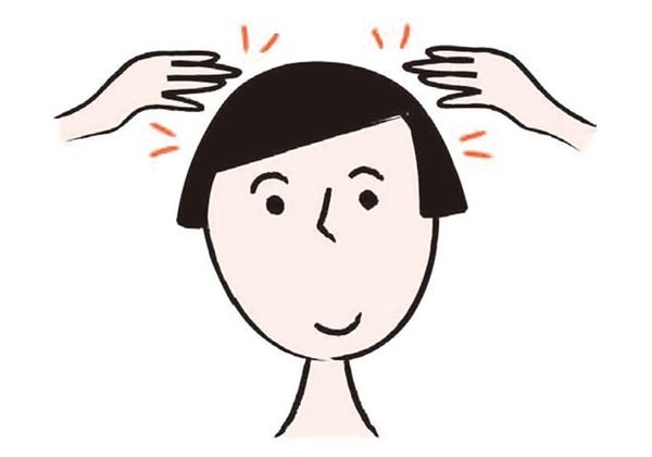 「輕拍頭部」用雙手的食指、中指、無名指輕拍頭部和臉部,力道大約和輕輕撫摸差不多。(圖片/瑞麗美人國際提供)