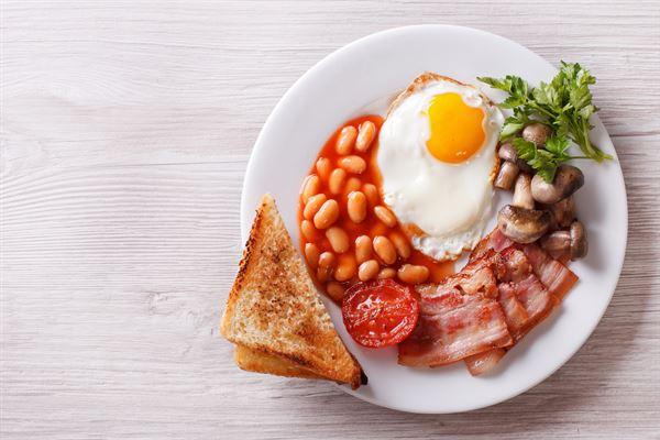 早餐要吃對醣類和優質蛋白,可以維持較長時間的飽足感,並且讓血糖保持穩定、整天有精神