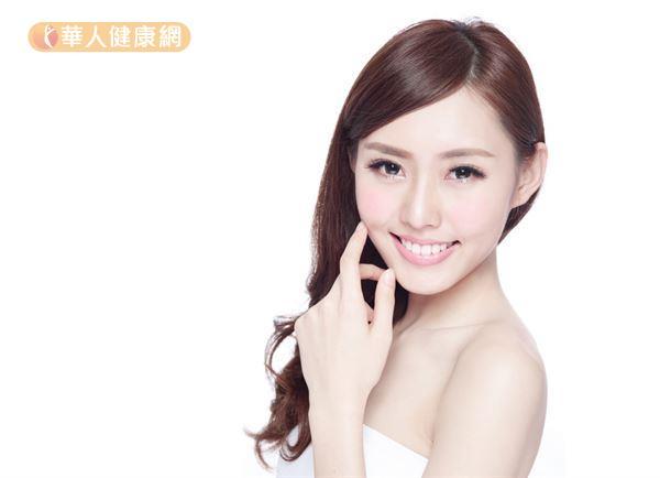 在醫師的專業評估之下,可以適度透過醫美技術修飾臉型、改善氣色。