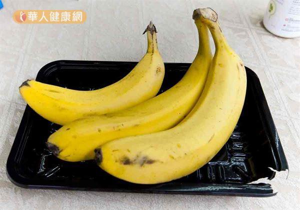 香蕉不只含水溶性膳食纖維,還能助排便。