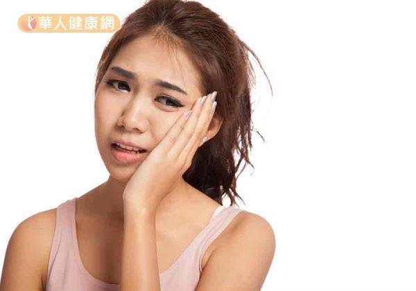 根據門診經驗,春節前後因急性牙痛求診人數至少暴增3成。